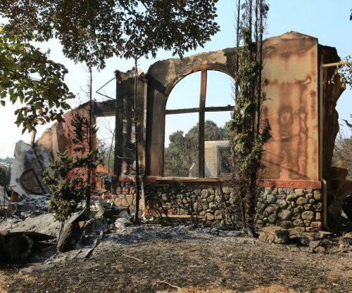 California wildfires have NFL mulling venue options for Oakland Raiders, Los Angeles Chargers