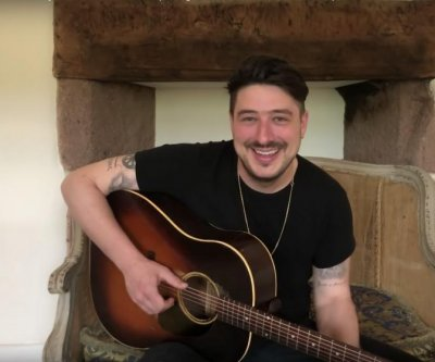 Marcus Mumford performs acoustic 'Lay Your Head on Me' on 'Tonight Show'