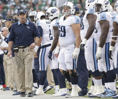 Tennessee Titans scoot past Oakland Raiders
