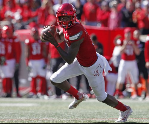 Lamar Jackson totals seven TDs as No. 7 Louisville rolls Boston College