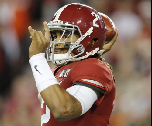 No. 1 Alabama dominates Tennessee yet again