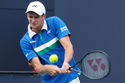 Miami Open: Hurkacz upsets Tsitsipas in QF; Barty advances to final
