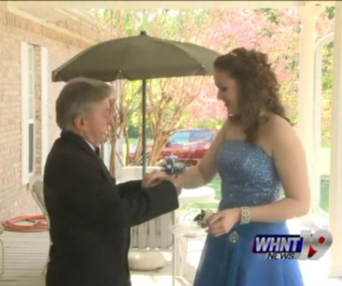 Alabama grandfather, 80, attends his first prom