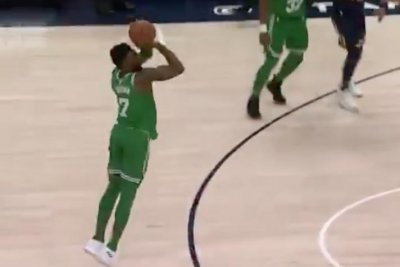 Jaylen Brown drills game-winning trey for Boston Celtics