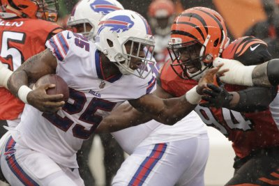 Bills' McCoy: Accusations of domestic abuse 'completely false'