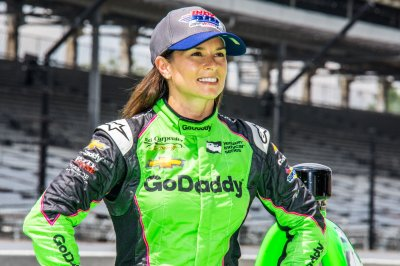 Danica Patrick says Aaron Rodgers made her 'the biggest Packers fan'