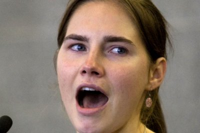 Amanda Knox, exonerated of murder, returns to Italy