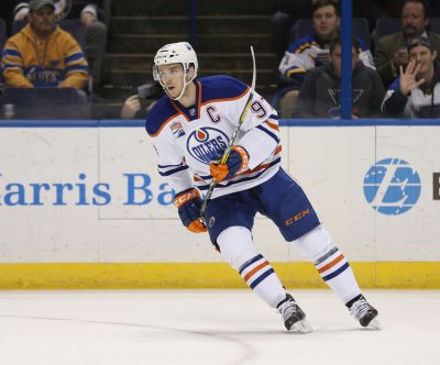 Edmonton Oilers star Connor McDavid to miss 2-3 weeks with quad injury