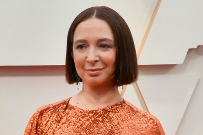 Maya Rudolph says she wears Prince's belly chain as a necklace