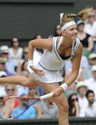 Czechs advance on Kvitova wins