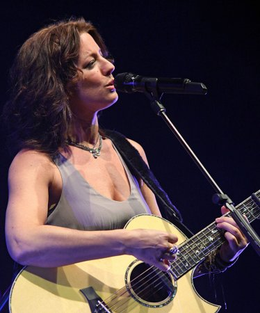 McLachlan to perform at Juno Awards