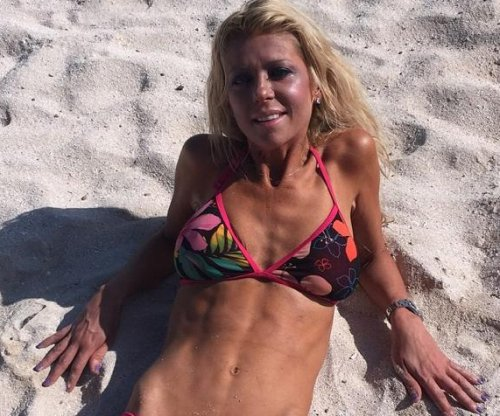 Tara Reid shares skinny bikini photos from Mexico