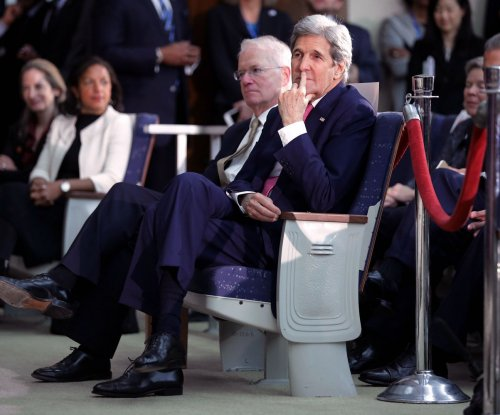Secretary of State John Kerry makes unannounced visit to Afghanistan