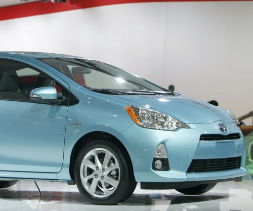 Toyota recalls 1.43M Prius, Lexus cars for possible airbag defect