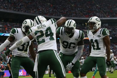 Darrelle Revis points toward finishing career at safety