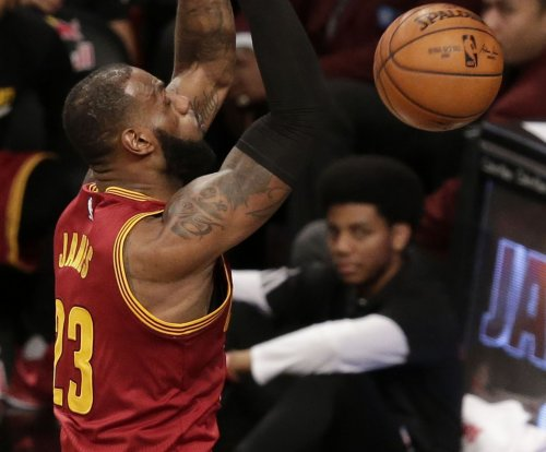 LeBron James tops 20K points for Cleveland Cavaliers in win vs. Oklahoma City Thunder