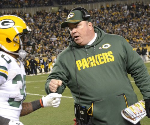 Mike McCarthy: Green Bay Packers head coach receives one-year contract extension