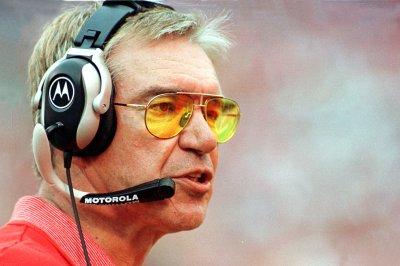 Former Chiefs head coach Gunther Cunningham dies at 72