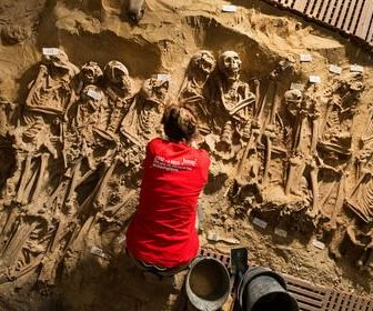 Parisian mass grave found under supermarket