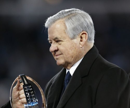 Carolina Panthers owner Jerry Richardson to miss NFL meetings