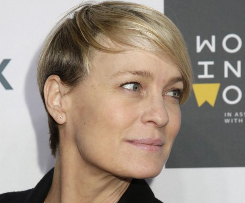 Robin Wright in final negotiations for mysterious 'Blade Runner' role