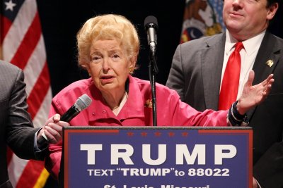 Phyllis Schlafly, right-wing crusader, dies at 92