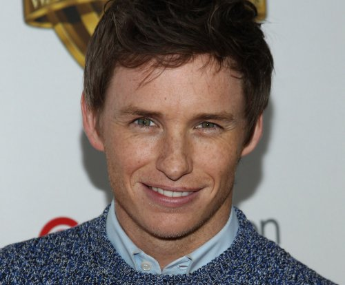 'Beasts' star Eddie Redmayne: 'I feel enormous pressure' to please Wizarding World fans