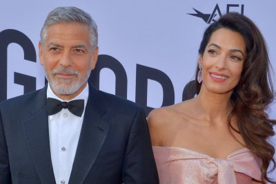 George Clooney says 'Midnight Sky' is about 'regret' and 'redemption'