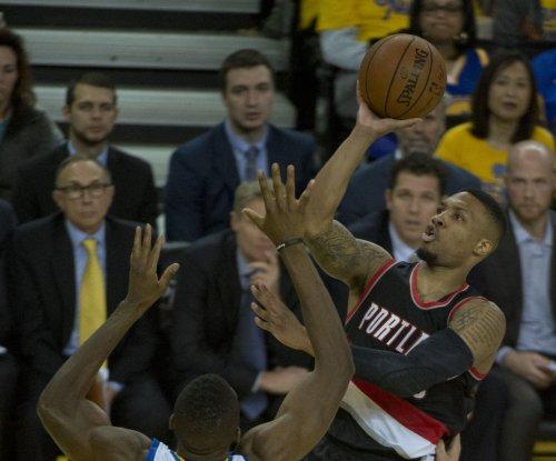 Damian Lillard leads streaking Portland Trail Blazers to win over Houston Rockets