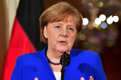 Merkel faces 2-week ultimatum to secure asylum deal