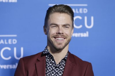 Derek Hough undergoes emergency appendectomy