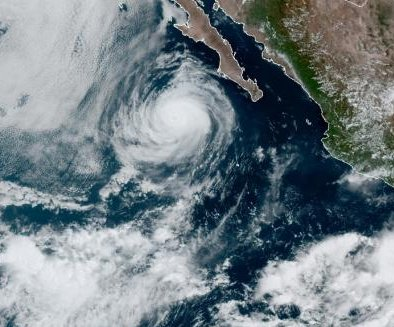Hurricane Elida churns in East Pacific