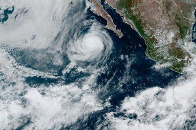 Hurricane Elida churns in East Pacific