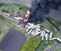 Freight train derails in northern Iowa hauling ammonium nitrate