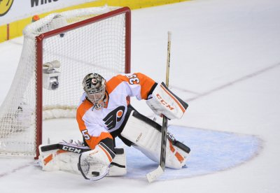 Flyers goalie Steve Mason inks multi-year extension
