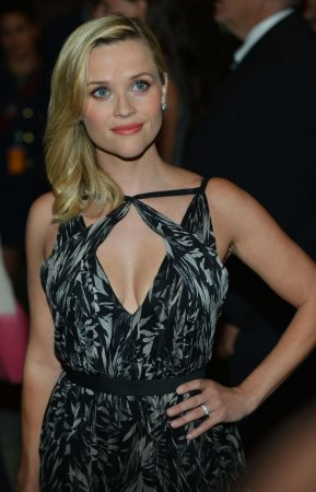 Reese Witherspoon attends Justin Bartha's wedding to Lia Smith