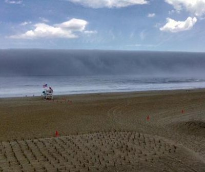 Fog bank gives illusion of tsunami wave in New Jersey