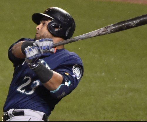 Seattle Mariners dominate Baltimore Orioles, 10-0