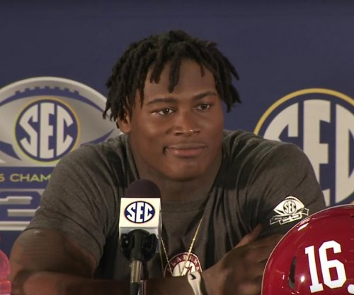 No. 1 Alabama wins SEC with rout of Florida