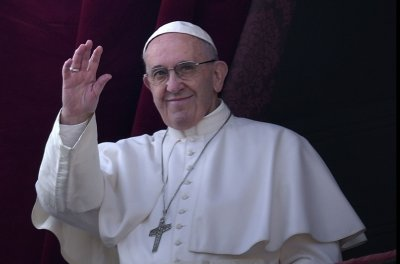 Pope announces Egypt visit under improving Catholic-Muslim ties
