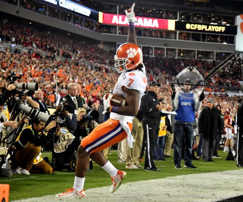 Los Angeles Chargers add another offensive weapon, draft Clemson WR Mike Williams