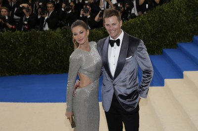 New England Patriots QB Tom Brady addresses health after Gisele Bundchen's concussion claim
