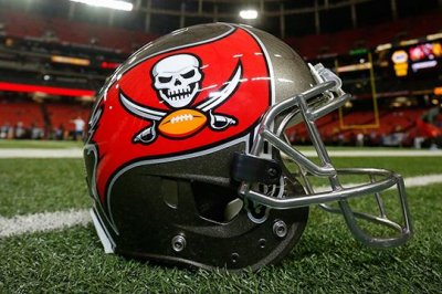 Buccaneers sign NT Allen