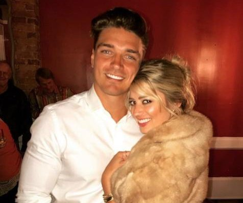 Dean Unglert is starting therapy after Lesley Murphy split
