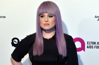 Kelly Osbourne celebrates one year of sobriety after 'dark' relapse