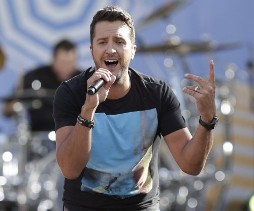 Luke Bryan announces new tour for 2016