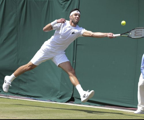 Novak Djokovic advances at U.S. Open after Jiri Vesely withdraws
