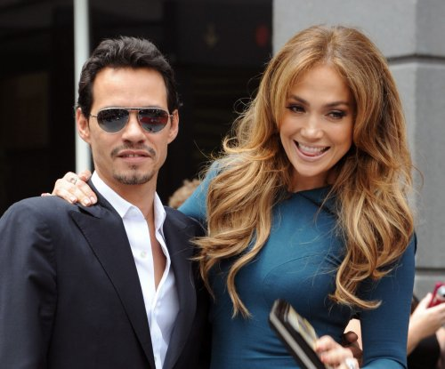 Jennifer Lopez, Marc Anthony all smiles in Snapchat video