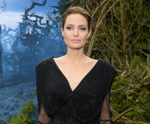 Angelina Jolie's mastectomies tied to rise in genetic testing