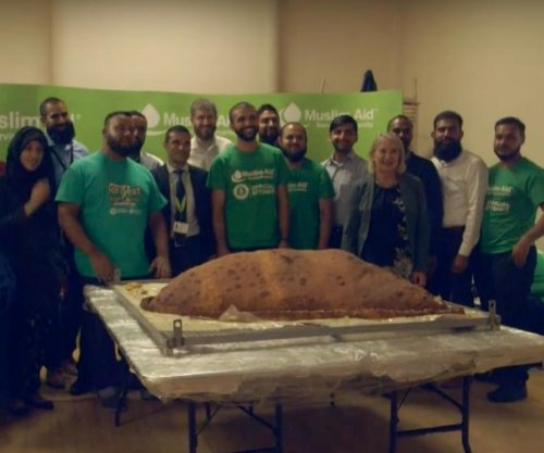 Muslim Aid charity makes world's largest samosa for homeless